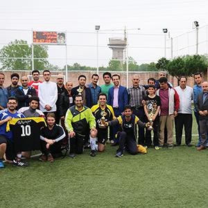 قهرمانی تیم مسئولین در رقابتهای فوتبال / پیشکسوتان و فرهنگیان دوم و سوم شدند