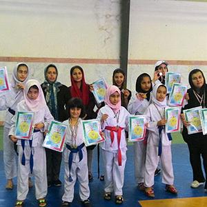 خمام - درخشش بانوان کاراتهکا خمامی در مسابقات استانی