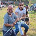 برگزاری مسابقه طنابکشی در روستای دهنهسر