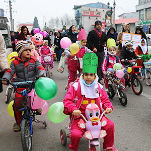 خمام - همایش دوچرخه سواری دانشآموزی به مناسبت روز هوای پاک برگزار شد