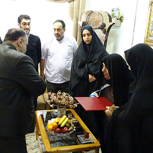 خمام - دیدار شهردار و اعضای شورای شهر با خانوادههای معظم شهدا