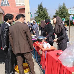 خمام - برپایی نمایشگاه اقتصاد مقاومتی در دبیرستان دخترانه مهرک فرجی