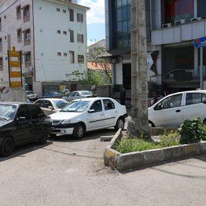 خمام - خروجی، پارکینگ ؛ ورودی، ورود و خروج!