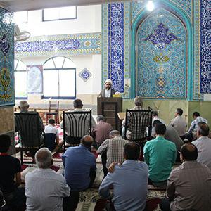 خمام - نماز عید فطر در مسجد سیدالشهدا (ع) اقامه شد