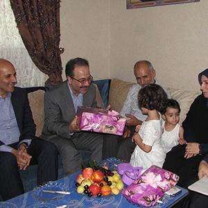 خمام - دیدار مسئولین با خانواده شهید حبیب روحی