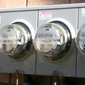 خمام - قطع کنتور برق مشترک پیشاز پایان مهلت پرداخت و بدون اخطار قبلی توسط پیمانکار