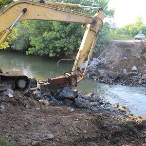 خمام - عملیات اجرایی احداث پل روستای دهنهسر شیجان آغاز شد
