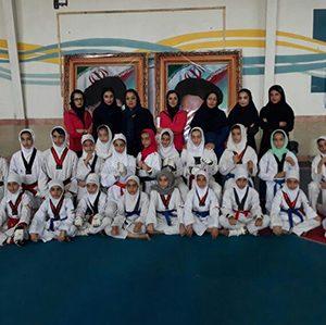 خمام - قهرمانی تیم شهاب در رده سبز-آبی رقابتهای لیگ تکواندو دختران گیلان / صدرنشینی شهاب در رده قرمز-مشکی ادامه دارد