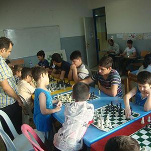 خمام - مسابقات شطرنج قهرمانی نوجوانان بخش خمام با حضور ۲۴ شطرنجباز درحال برگزاری است
