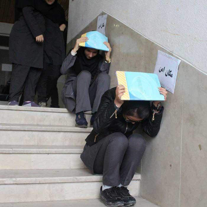 مانور «زلزله و ایمنی» در مدارس بخش خمام برگزار شد