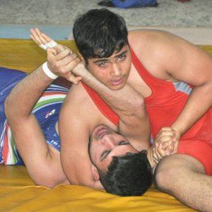 خمام - تیم هیئت کشتی خمام در مقابل تیم شهید رجایی رشت به برتری دست یافت