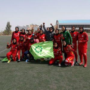 خمام - تیم فوتبال شهرداری بم قهرمانی لیگ برتر بانوان را جشن گرفت