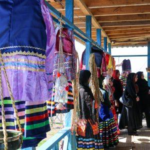 خمام - جشنواره لباسها و نانهای محلی و بازارچه بومی محلی در خمام دایر شد