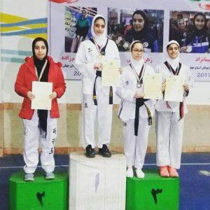 خمام - کوثر غلامیصفت به عنوان فنیترین بازیکن در مسابقات تکواندو نوجوانان دختر استان گیلان انتخاب شد