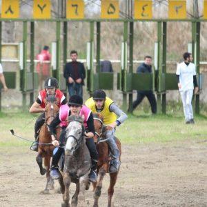 خمام - اسبهای موج سیاه و رخش به مقامهای دوم و چهارم کورس امتیازی شهرستان رشت دست یافتند