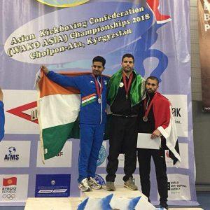 ملیپوش خمامی به مدال طلای مسابقات آسیایی کیکبوکسینگ واکو دست یافت