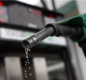 خمام - کمبود بنزین در جایگاهها متاثر از مشکل نرم افزاری بوده و به زودی مرتفع میگردد