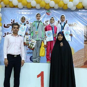خمام - فاطمه قربانی به مدال طلای مسابقات تکواندوی دختران خردسال کشور دست یافت