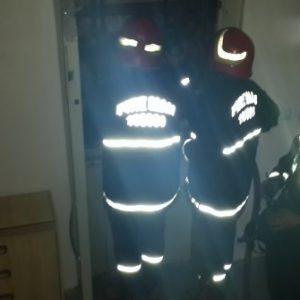خمام - نیروهای آتشنشانی خمام ۴ فرد گرفتار در آسانسور را نجات دادند