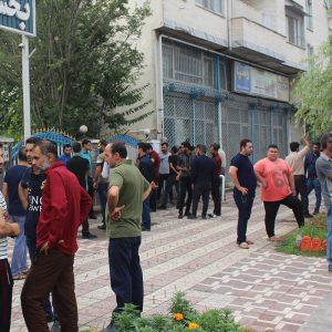 خمام - کمباینداران بخش خمام در اعتراض به ورود کمباینهای مهاجر تجمع کردند