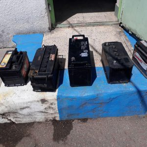 خمام - سارقان باتری خودرو در خمام دستگیر شدند / اعتراف متهمین به سرقت از ۱۱ خودرو