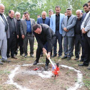 خمام - کلنگ احداث سالن ورزشی و سایت آبرسانی در فشتکهی دوم بر زمین زده شد