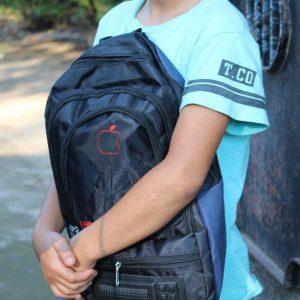 خمام - رئیس کمیته امداد: لبخند شادی ۱۳۵ دانشآموز نیازمند خمامی در طرح دستهای مهربانی / بیشاز ۲۷۴ دانشآموز از سوی کمیته امداد صاحب کیف و لوازم تحریر شدند