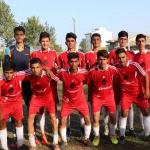 خمام - سرانجام اولین پیروزی تیم فوتبال شهرداری خمام در لیگ برتر نوجوانان گیلان رقم خورد