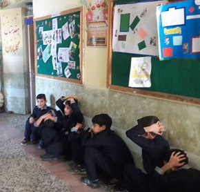 خمام - مانور زلزله و ایمنی در مدارس خمام برگزار شد
