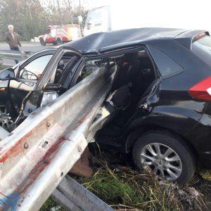 خمام - برخورد خودرو با گاردریل ۱ کشته برجای گذاشت