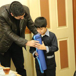 خمام - ۵ عدد صفحه و مهره شطرنج به دانشآموزان استثنایی اهدا شد