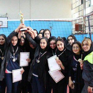 خمام - تیم مهام شهرداری خمام به قهرمانی رقابتهای لیگ نوجوانان والیبال بانوان شهرستان رشت دست یافت