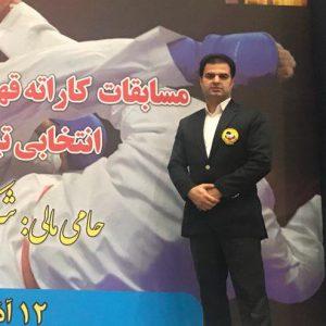 خمام - علیرضا نوروزی در رقابتهای کاراته قهرمانی کارگران کشور به قضاوت پرداخت