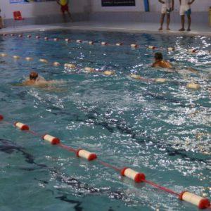 خمام - مسابقات شنای بزرگسالان با حضور ۶ تیم گیلانی در خمام برگزار شد