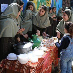 خمام - بازارچه دانشآموزی در مدرسه سفیر دانش گشایش یافت