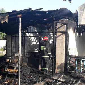 خمام - یکباب مغازه در روستای لات طعمه حریق شد
