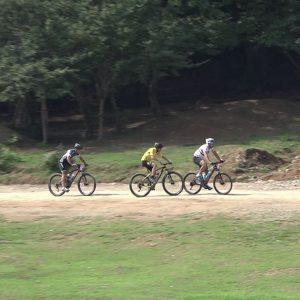 خمام - احسان اصغری در مسابقات لیگ دوچرخه سواری کوهستان گیلان به مقام سوم دست یافت