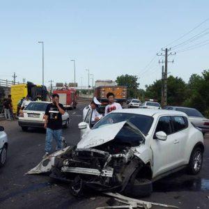 خمام - واژگونی کامیون در تصادف با نیسان جوک
