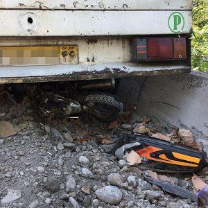خمام - فرار موتورسوار خوششانس از تصادف مرگبار