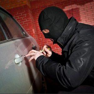 خمام - سارق خودرو در کمتر از ۵ ساعت دستگیر شد / اعتراف متهم ۳۲ ساله به ۸ فقره سرقت
