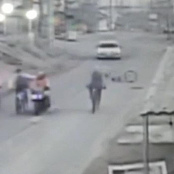 اداره راه به وضعیت نامطلوب جاده رسیدگی کند