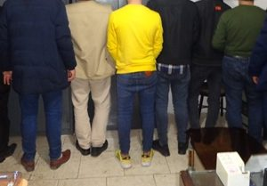 خمام - ۱۷ قمارباز در یک مغازه دستگیر شدند