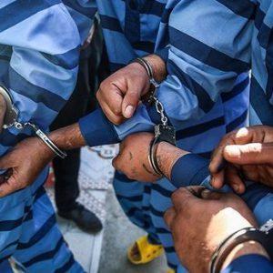 خمام - دستگیری ۴ نفر در عملیات پاکسازی پارکها / سارق کابل مخابراتی دستگیر شد / کشف ۳ هزار قطعه مواد محترقه و دستگیری ۲ نفر