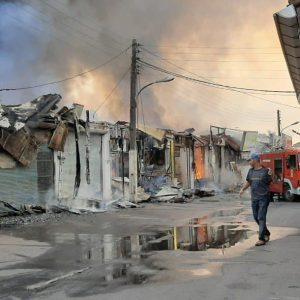 خمام - ۱۵ باب مغازه در مرکز شهر در آتش سوخت