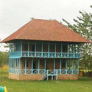 خمام - خانه بومگردی روستا بهحال خود رها شده است